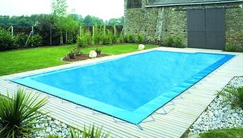 Avantages d'une bâche pour piscine
